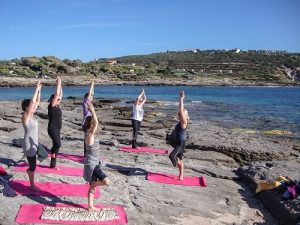 yoga at the beach Sardinia